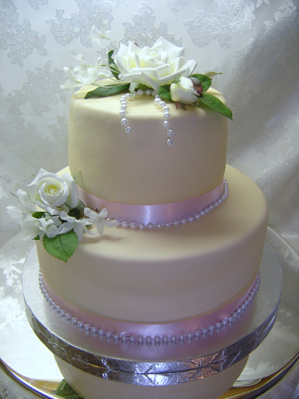 Cake Pictures Small : 2 tier small fondant wedding cake - Natalia s Cakes